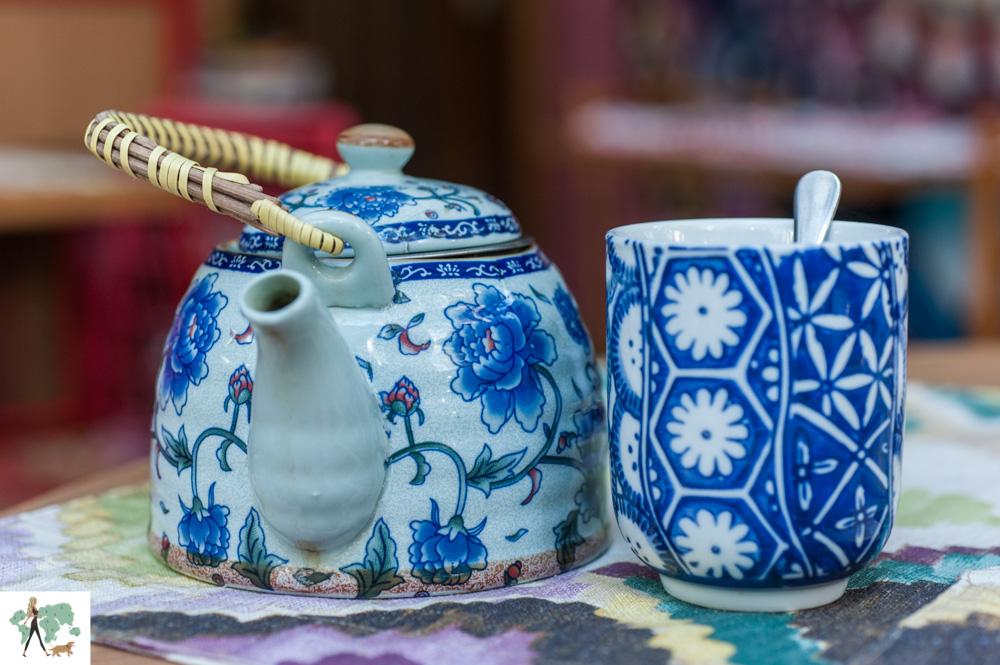 bule e xícara de chá japonês