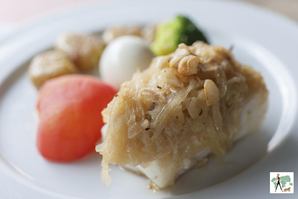 prato de bacalhau com tomate e ovo
