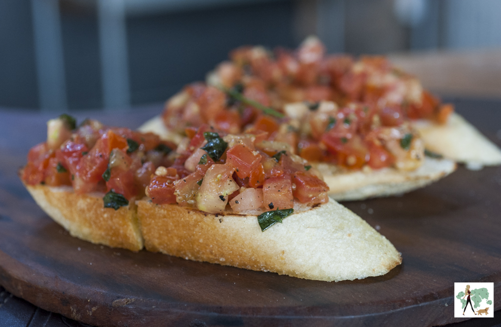 bruschetta de tomate e manjericão