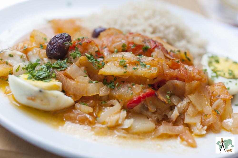bacalhau desfiado com ovos, azeitona preta e pimentão do restaurante Fritos e Assados