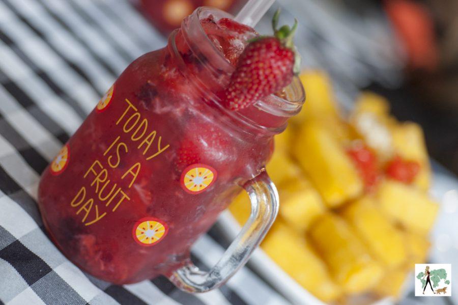 Caipirinha de frutas vermelhas