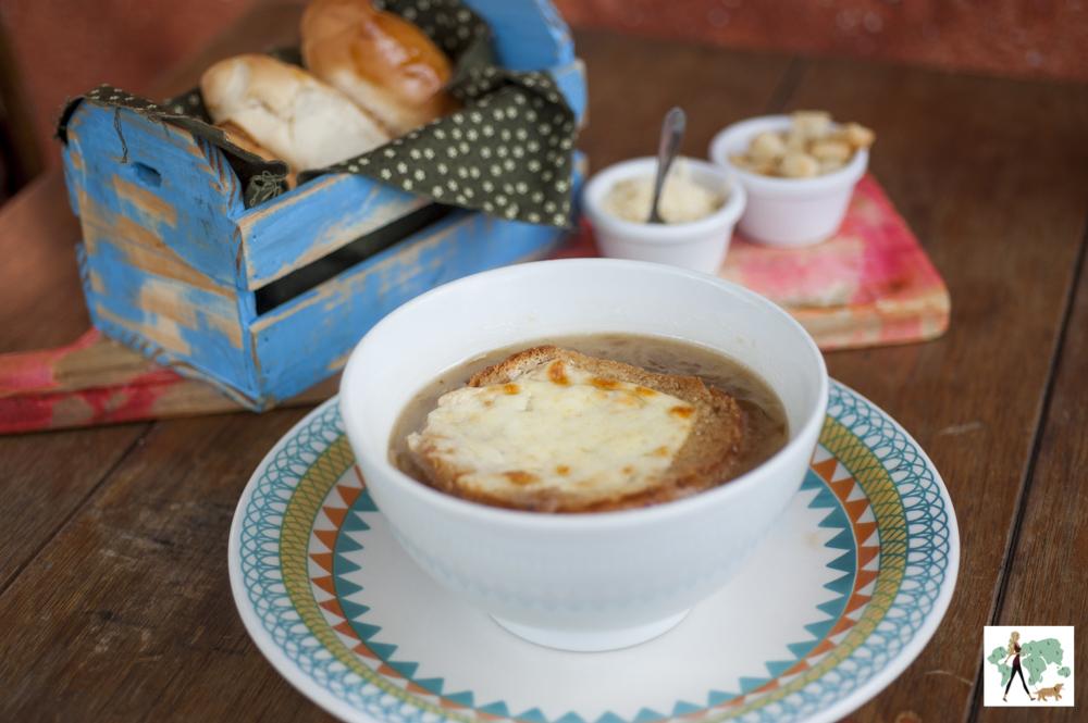 sopa de cebola no estilo alemão