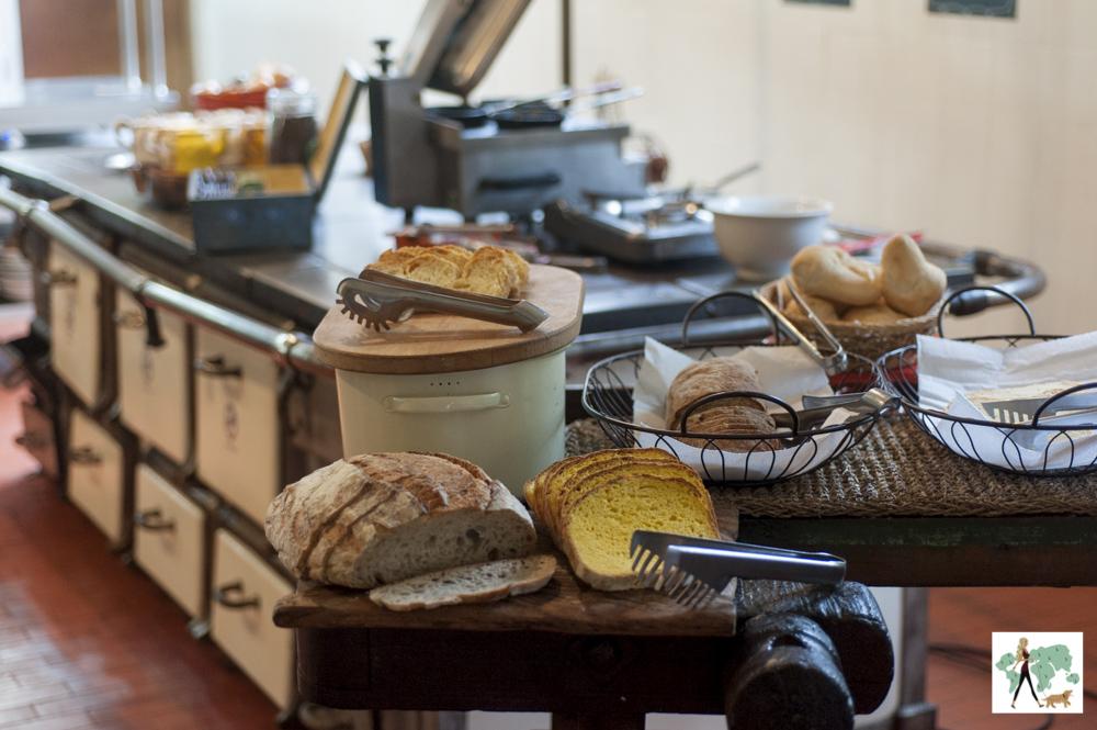 comidas de café da manhã no Parador Hampel