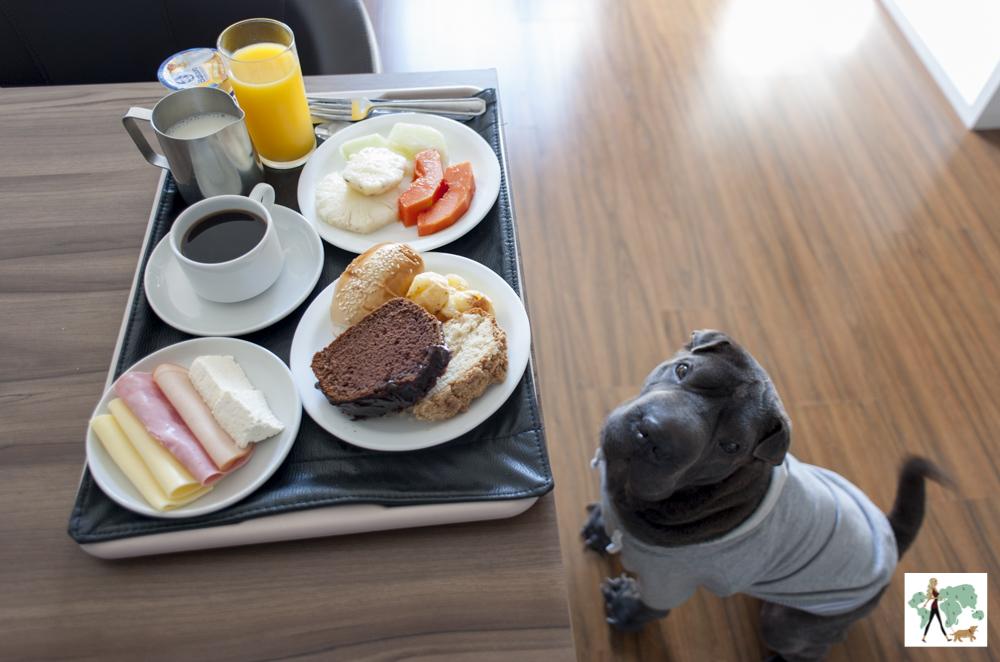bandeja de Café da manhã servido no quarto