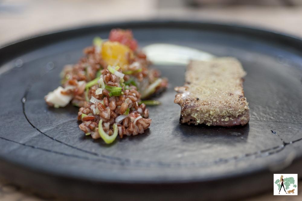 Atum com pupunha com cítrico de grãos do Cutello